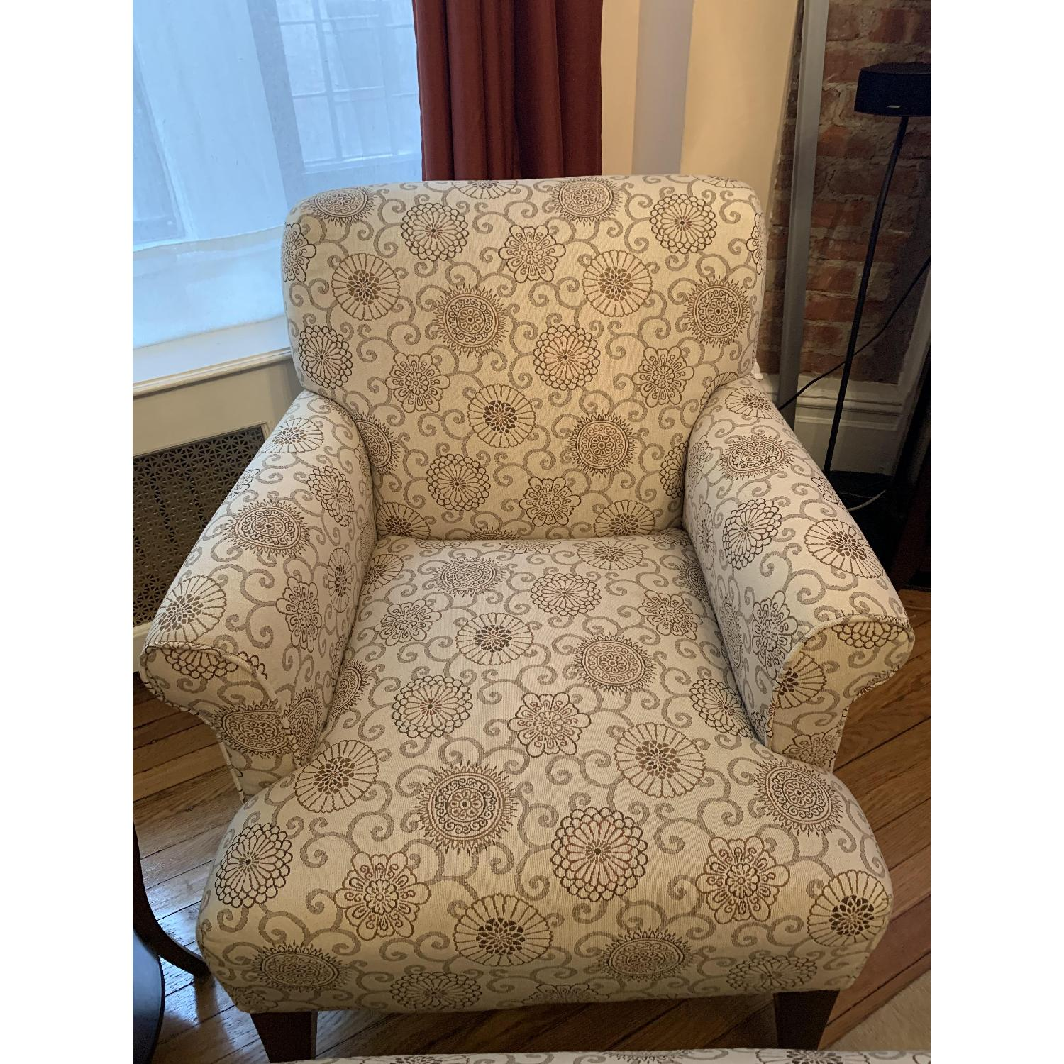 Raymour & Flanigan Accent Chair - image-1