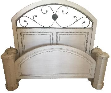 Queen Size Canopy Bed