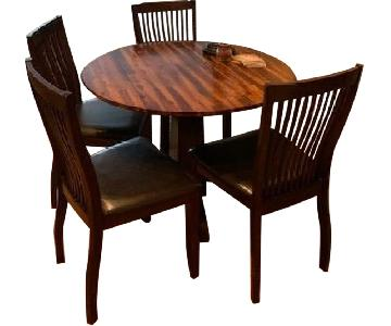 Raymour & Flanigan Square Dining Table w/ 4 Leather Chairs