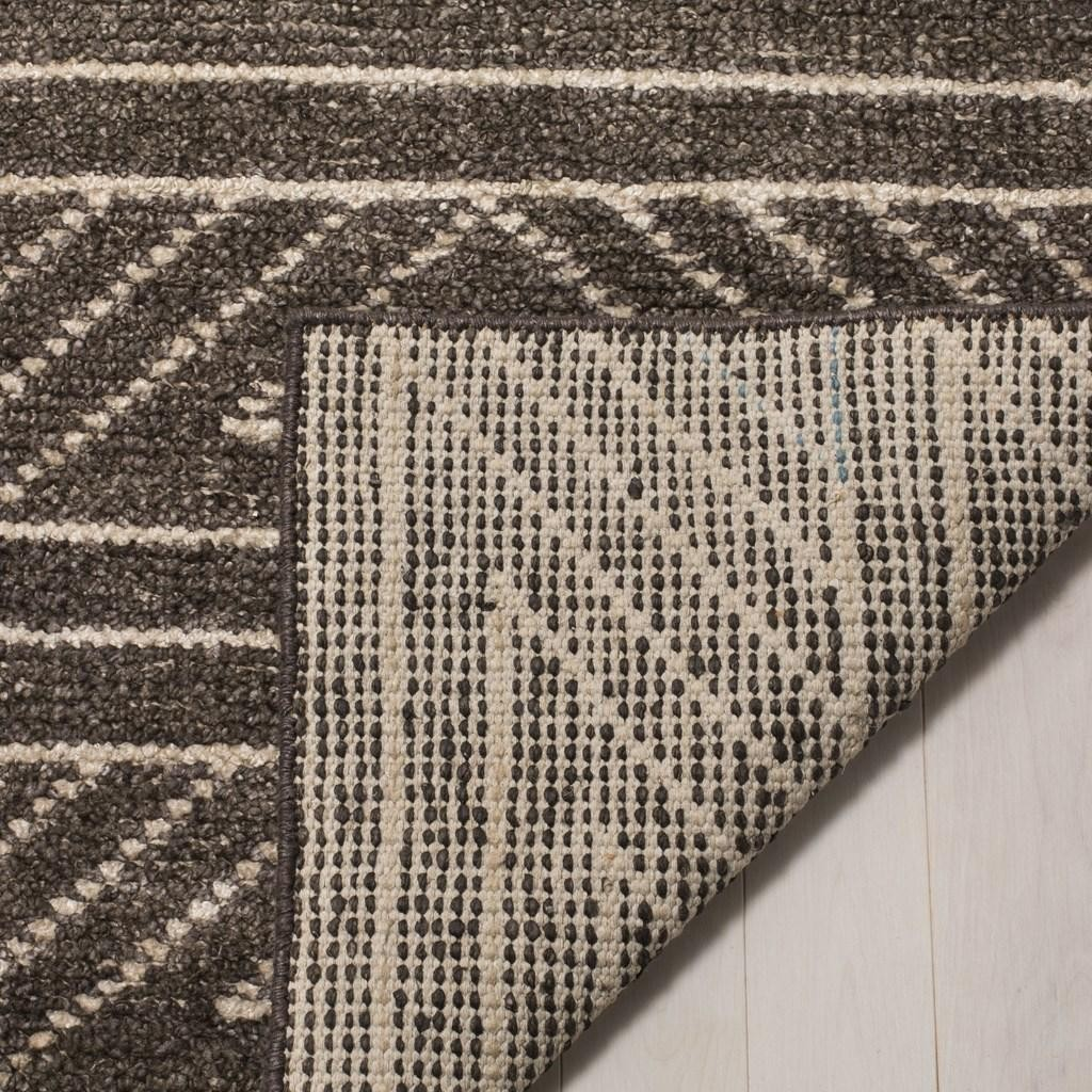 Safavieh Hand-Knotted Bamboo Silk Area Rug