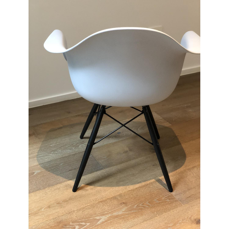 Eames Molded Plastic DAW Dowel-Leg Armchair-2