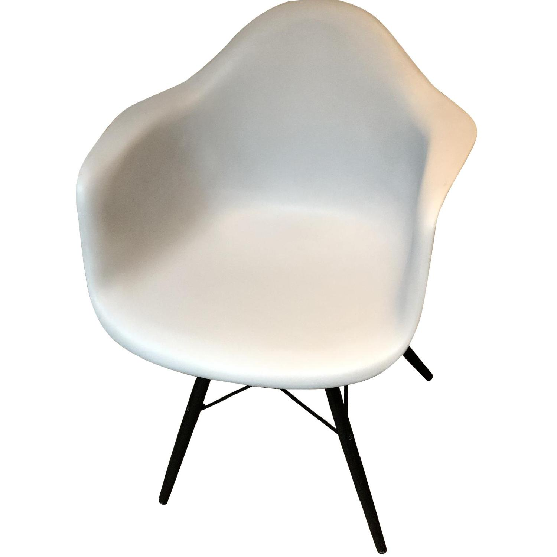 Eames Molded Plastic Daw Dowel Leg Armchair