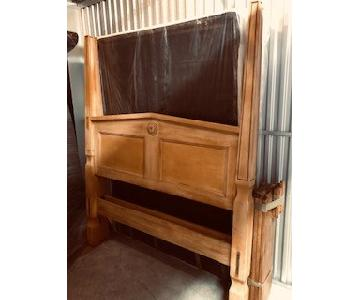 Mexican Pine Handcrafted Queen Size Poster Bed