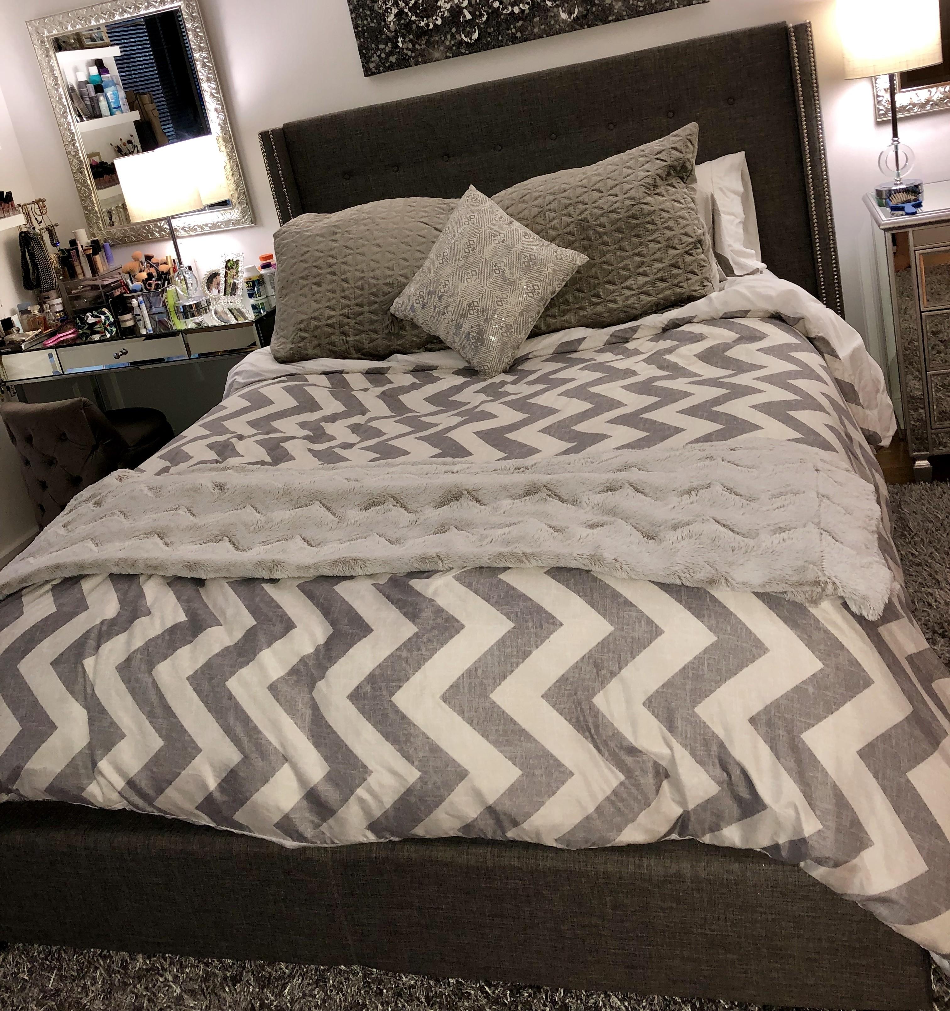 Willa Arlo Interiors Gittan Upholstered Standard Bed
