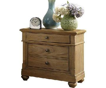 Raymour & Flanigan Harbor View Nightstand