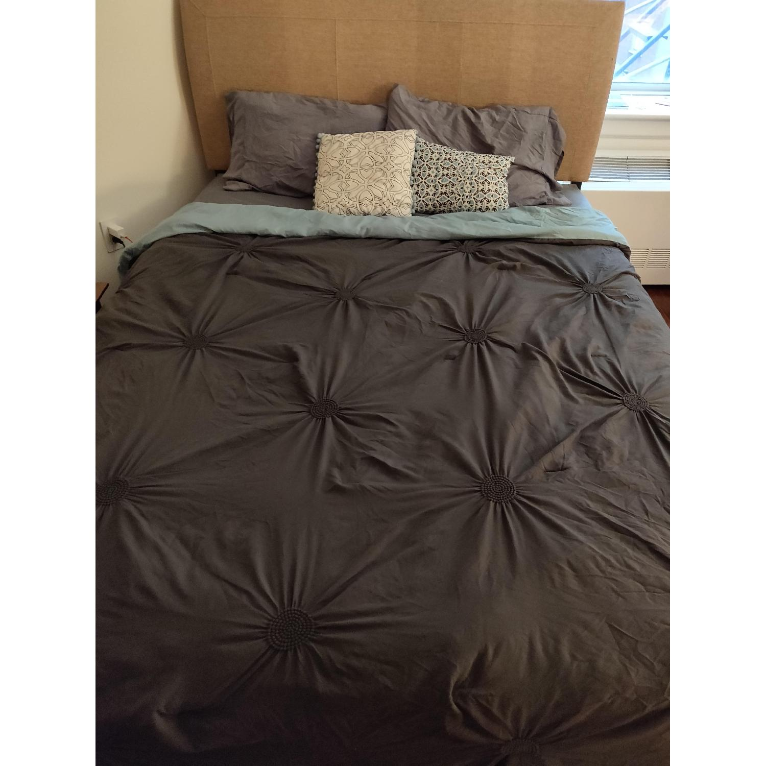 Queen Size Black Metal Bed w/ Headboard-0