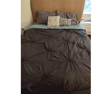 Queen Size Black Metal Bed w/ Headboard