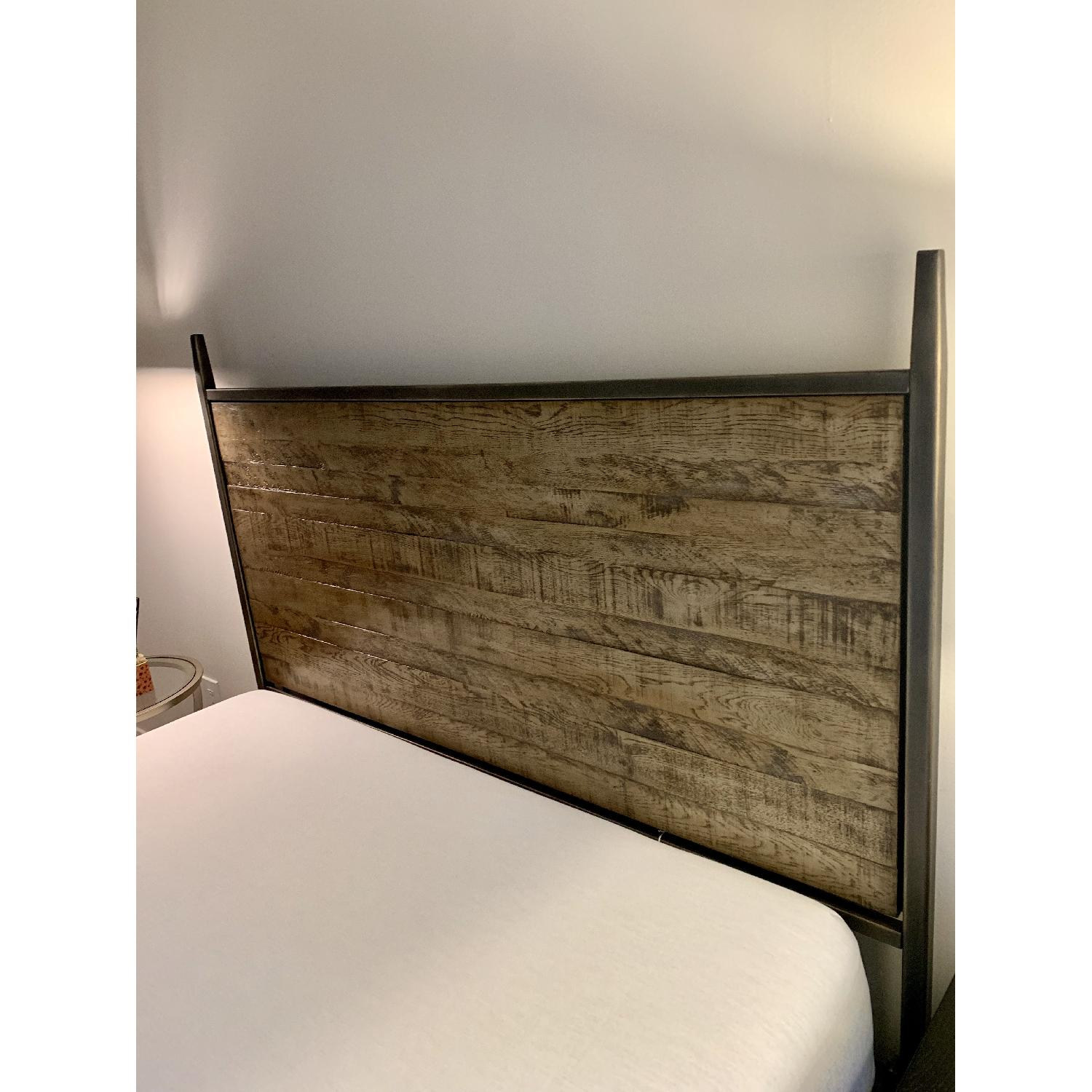 Ethan Allen Lincoln Queen Size Bed Frame w/ Headboard - image-5