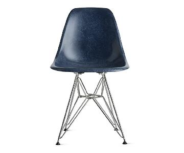 Eames Molded Fiberglass Wire-Base Side Chair in Navy