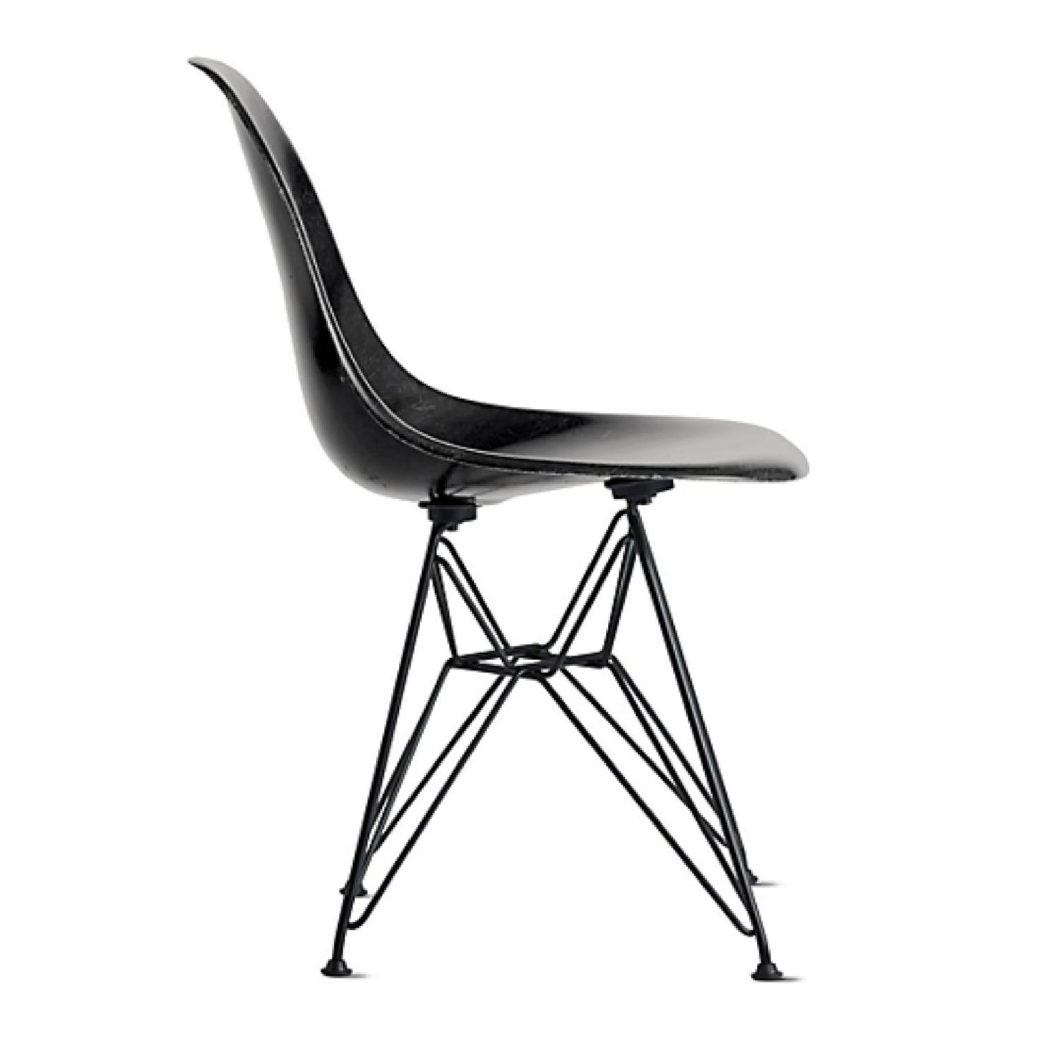 Eames Molded Fiberglass Wire-Base Side Chair in Navy - image-1