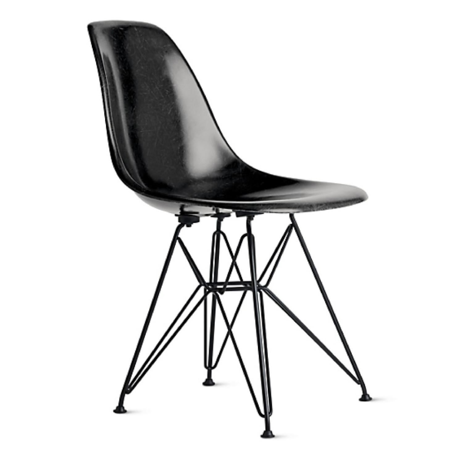 Eames Molded Fiberglass Wire-Base Side Chair in Navy - image-2