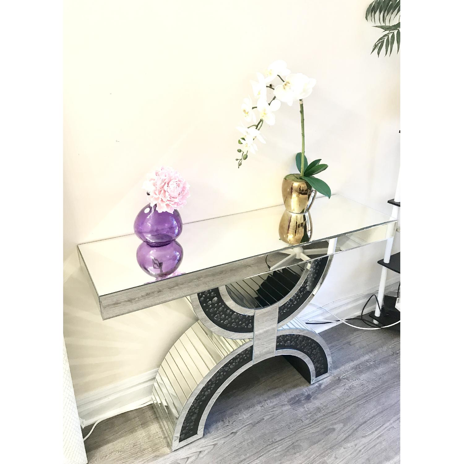 Mirrored Stand - image-1
