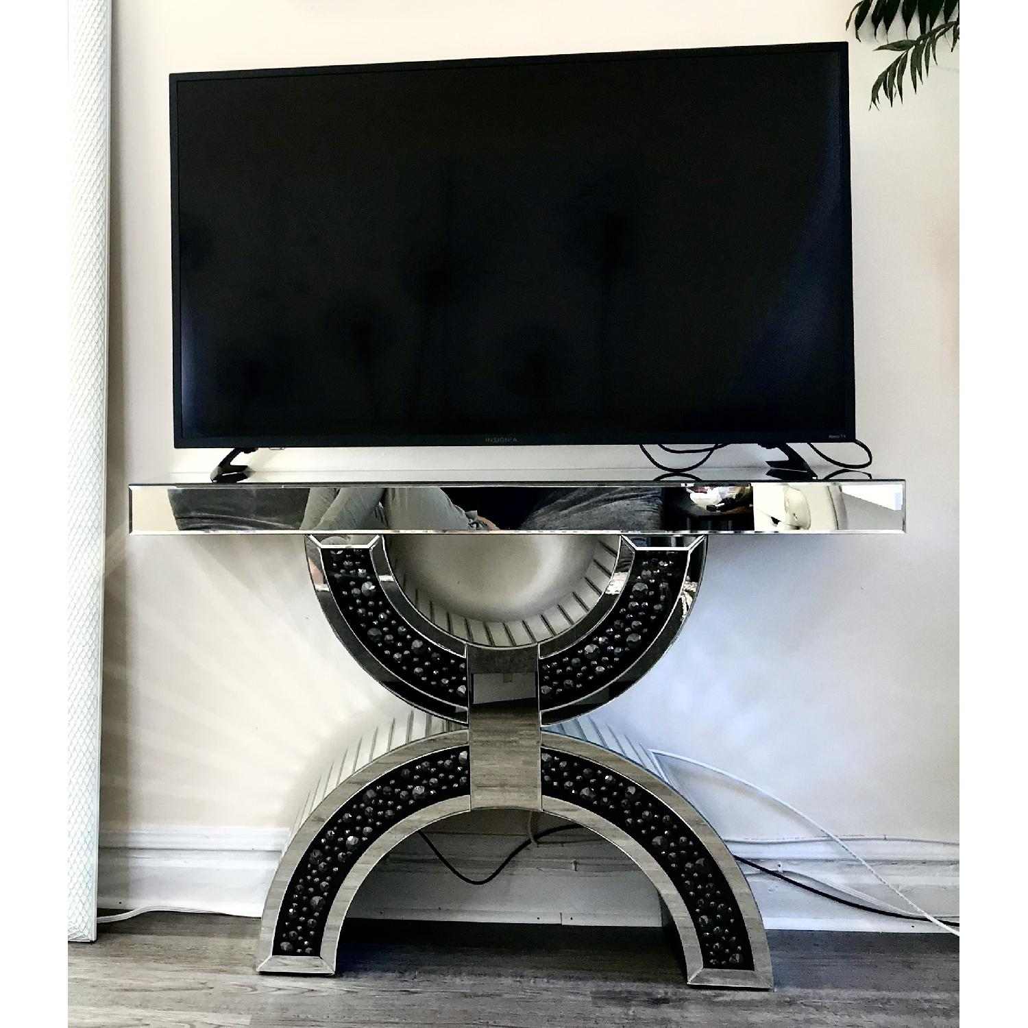 Mirrored Stand - image-4