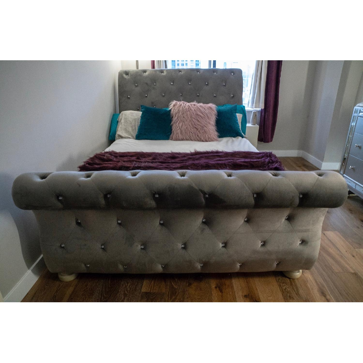 Ashley Cassimore Queen Upholstered Bed - image-3