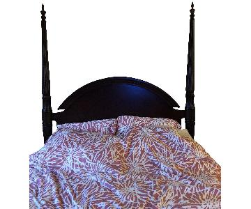 Wood Queen Size 4 Poster Bed