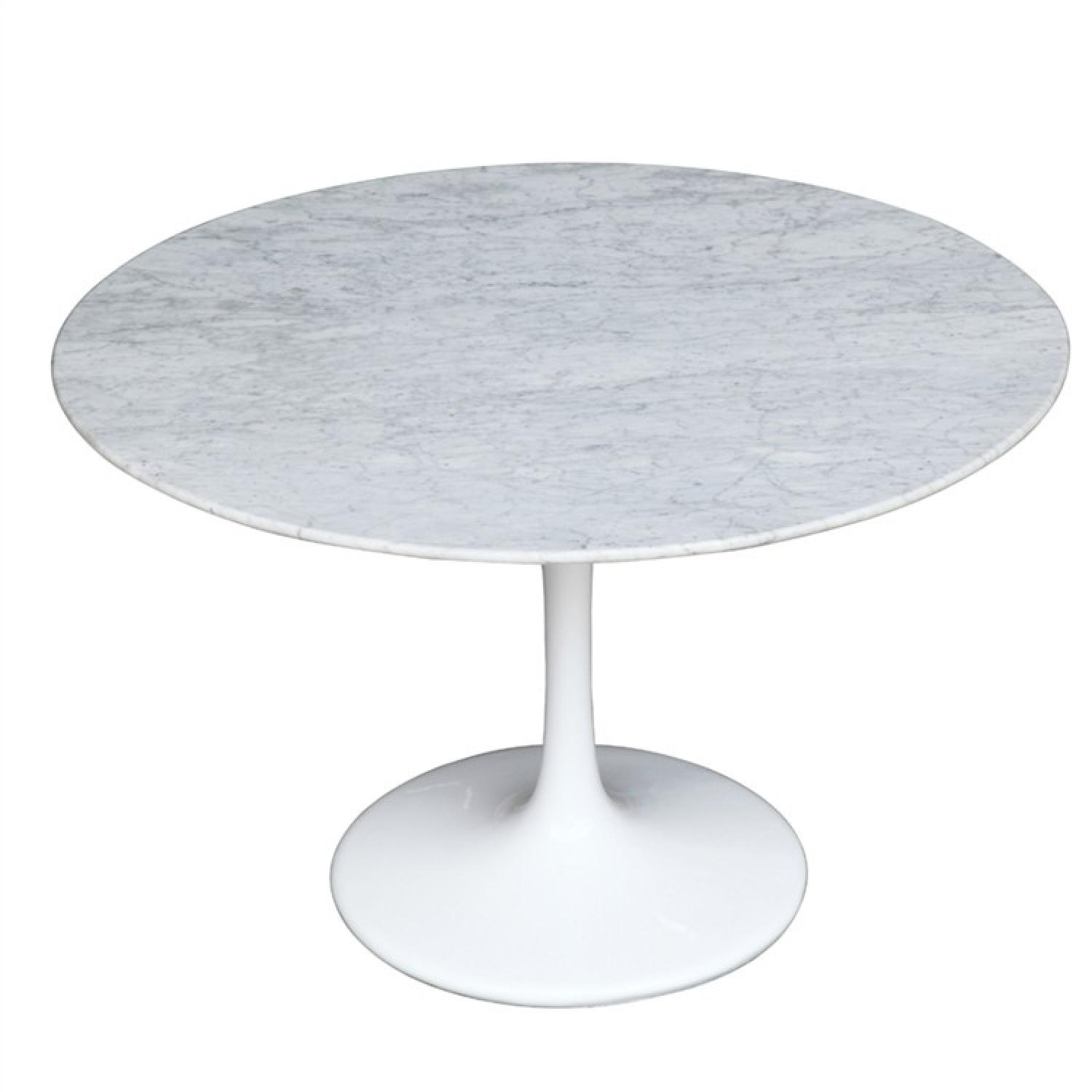 White Tulip Style Round Dining Table w/ Marble Top & Fibergl