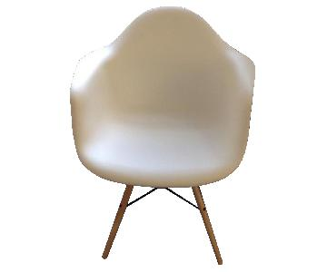 Retro Style White Arm Chair in ABS w/ Natural Wood/Wire Legs