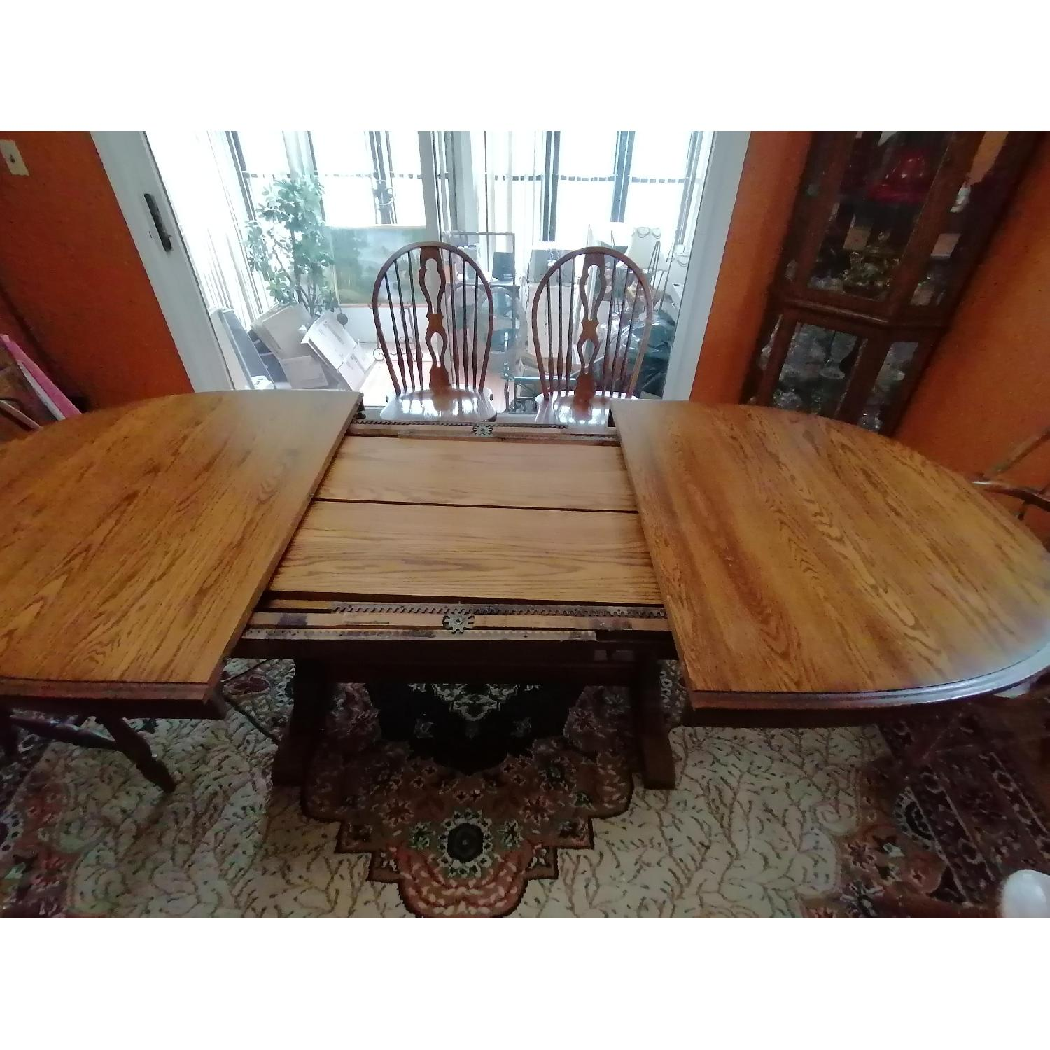 Raymour & Flanigan Extendable Dining Table w/ 6 Chairs - image-4