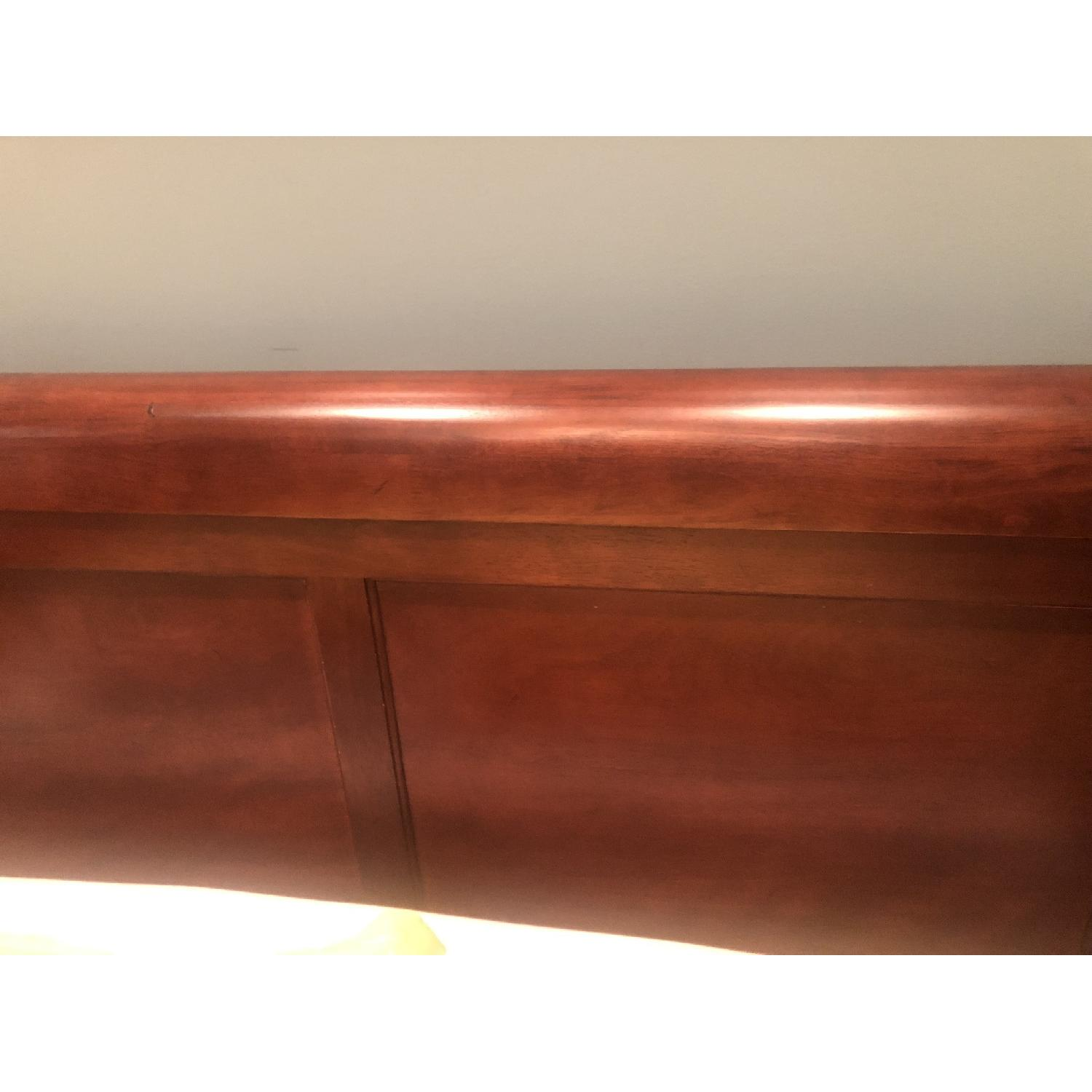 Montage Queen Mahogany Sleigh Bed - image-1