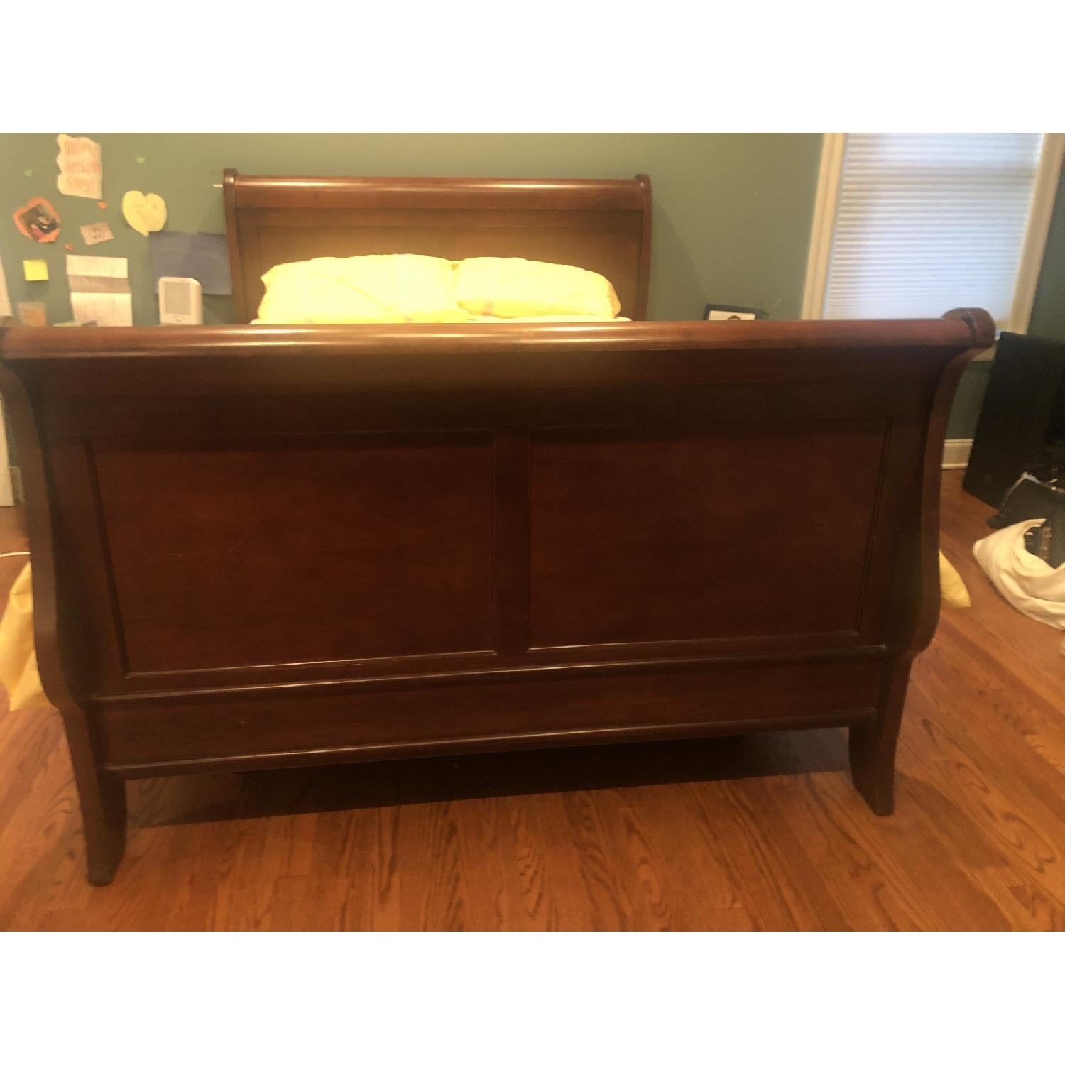Montage Queen Mahogany Sleigh Bed - image-2