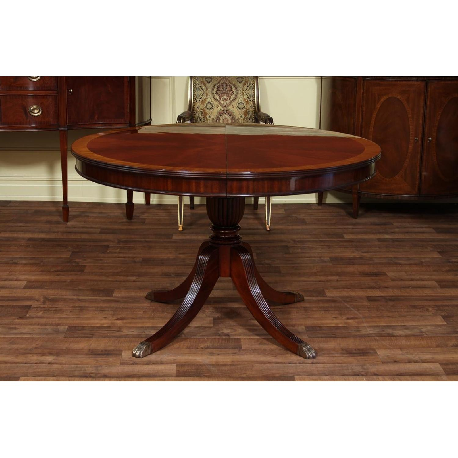 Thomasville Mahogany Coll Pedestal Dining Table - image-1