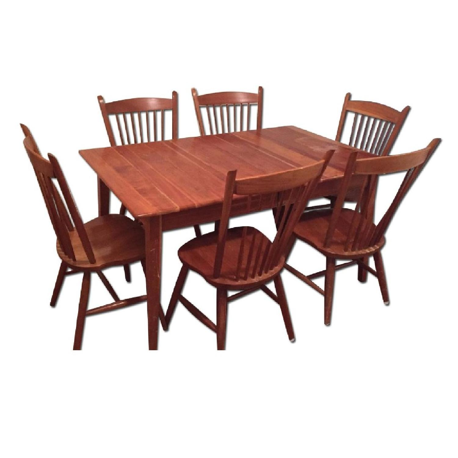 Expandable Cherry Dining Table w/ 6 Chairs
