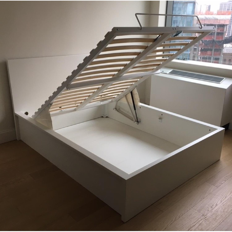 Ikea White Full Size Pull Up Storage Bed Frame Aptdeco,Small Kids Bedroom Storage Ideas