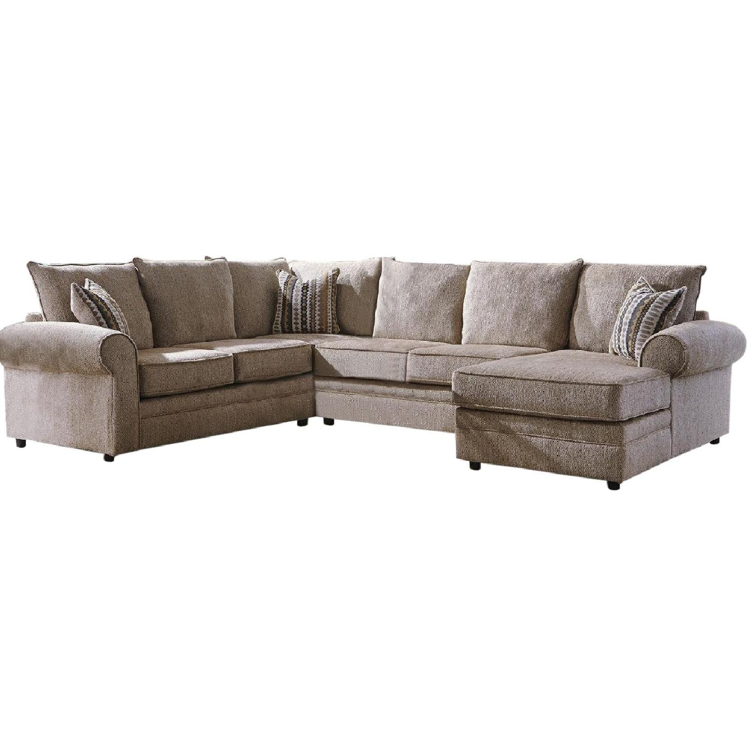 Sectional In Soft Chenille Fabric W High Density Foam