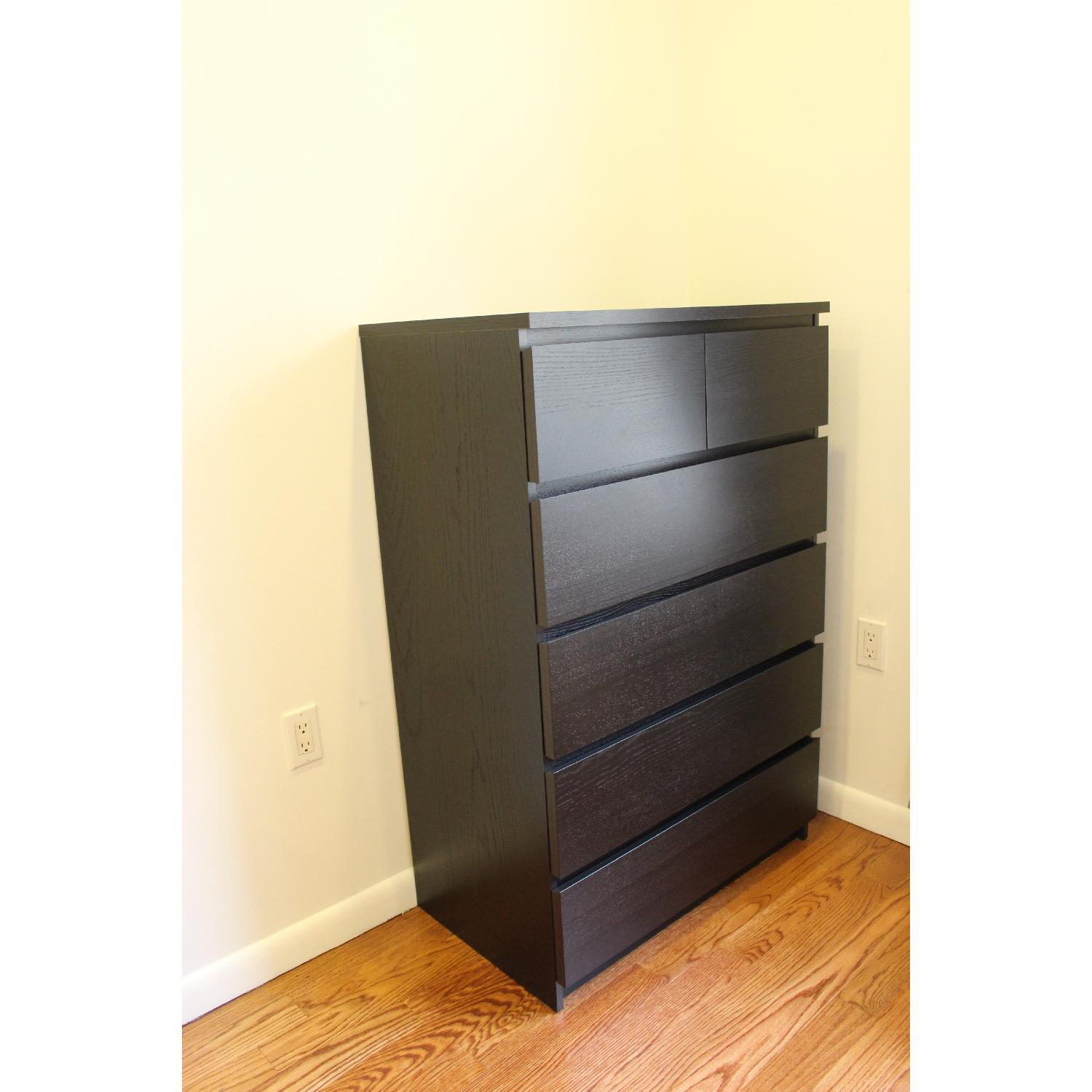 Used dressers for sale in nyc aptdeco for Ikea schreibtisch malm weiay