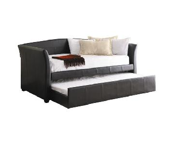 Woodhaven Hill Meyer Twin Daybed w/ Trundle