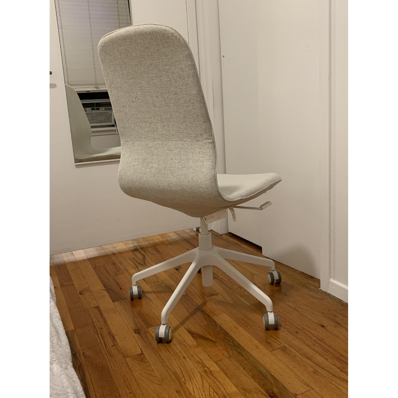 Admirable Ikea Langfjall Swivel Chair Aptdeco Bralicious Painted Fabric Chair Ideas Braliciousco