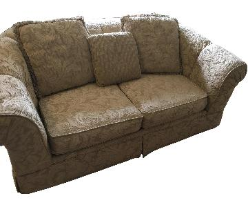 Simmons Traditional Modern Fabric Loveseat
