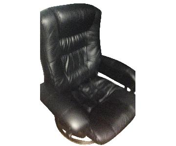 Stressless Mayfair Signature Base Leather Reclining Chair