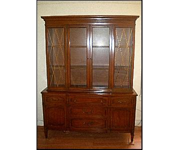 Vintage Wood Traditional China Cabinet/Breakfront