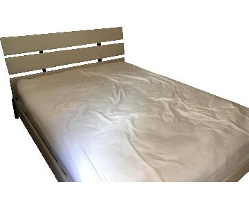 Queen Size Bed w/ Headboard
