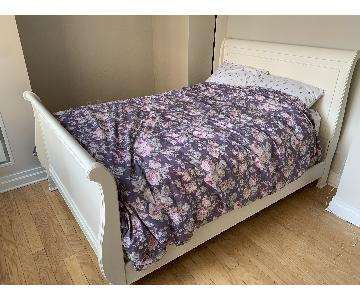 Havertys White Sleigh Full Size Bed