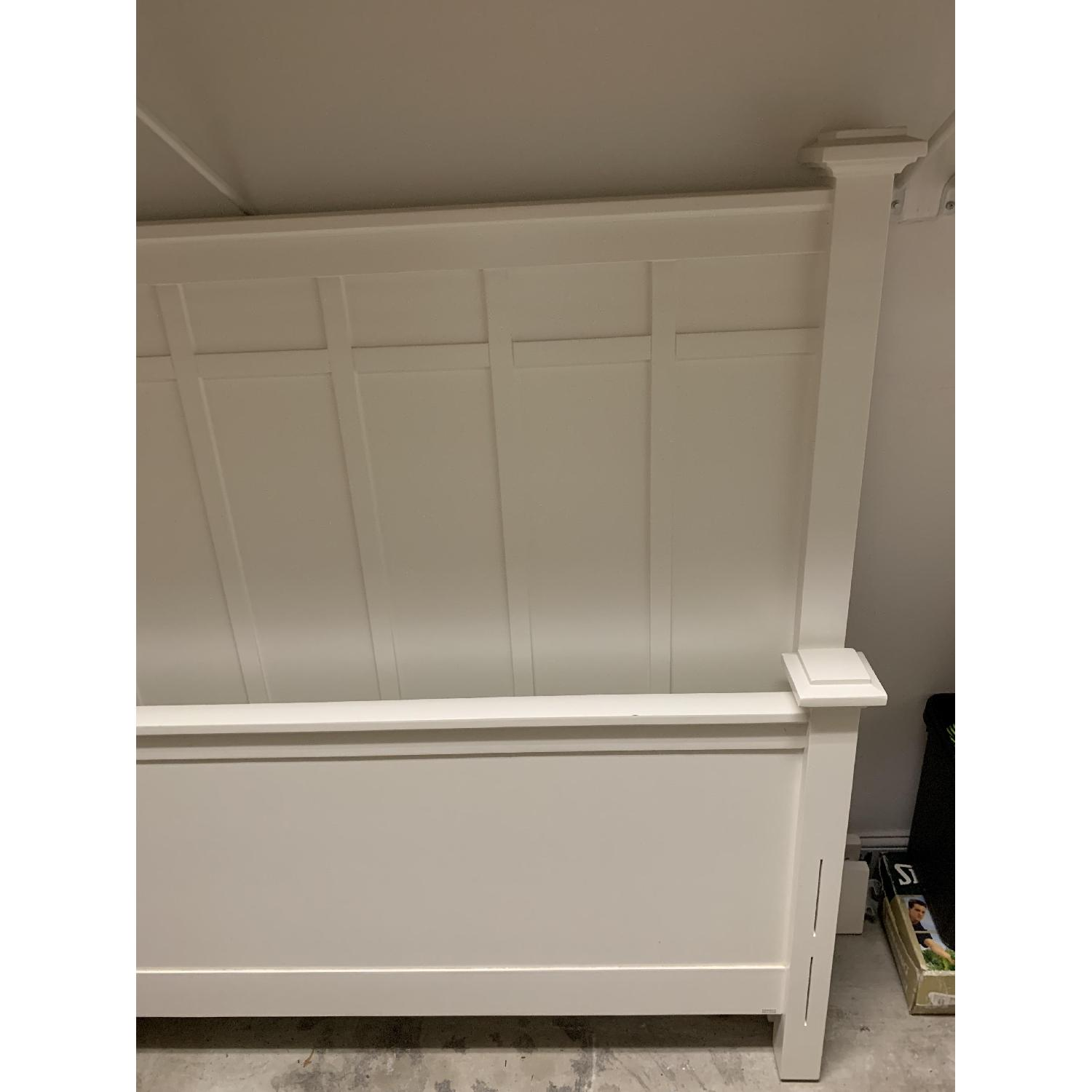 Crate & Barrel White Full Size Bed