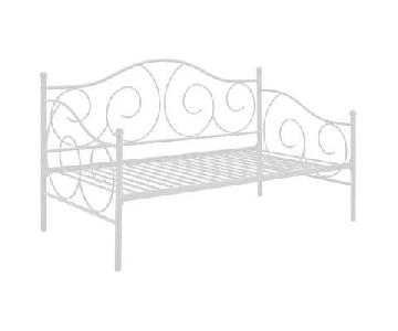 Andover Mills Mikayla White Metal Full Daybed