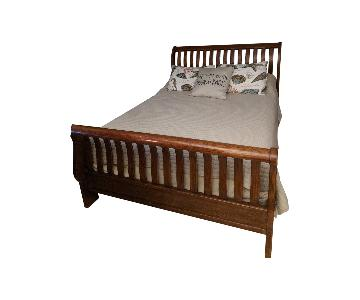 Thomasville Madison County Queen Sleigh Bed
