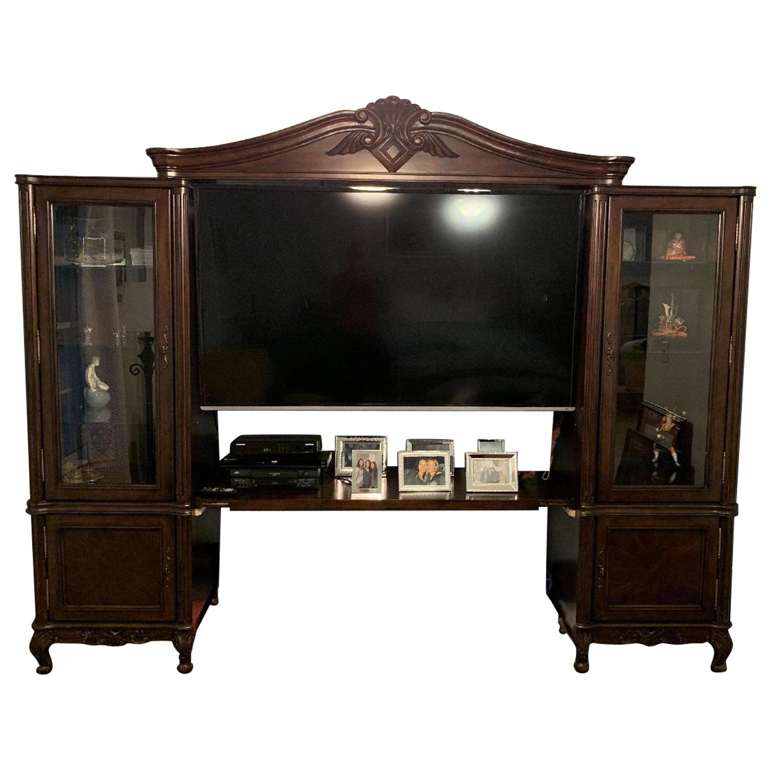 Picture of: Solid Wood Carved Tv Wall Unit W Glass Doors Aptdeco