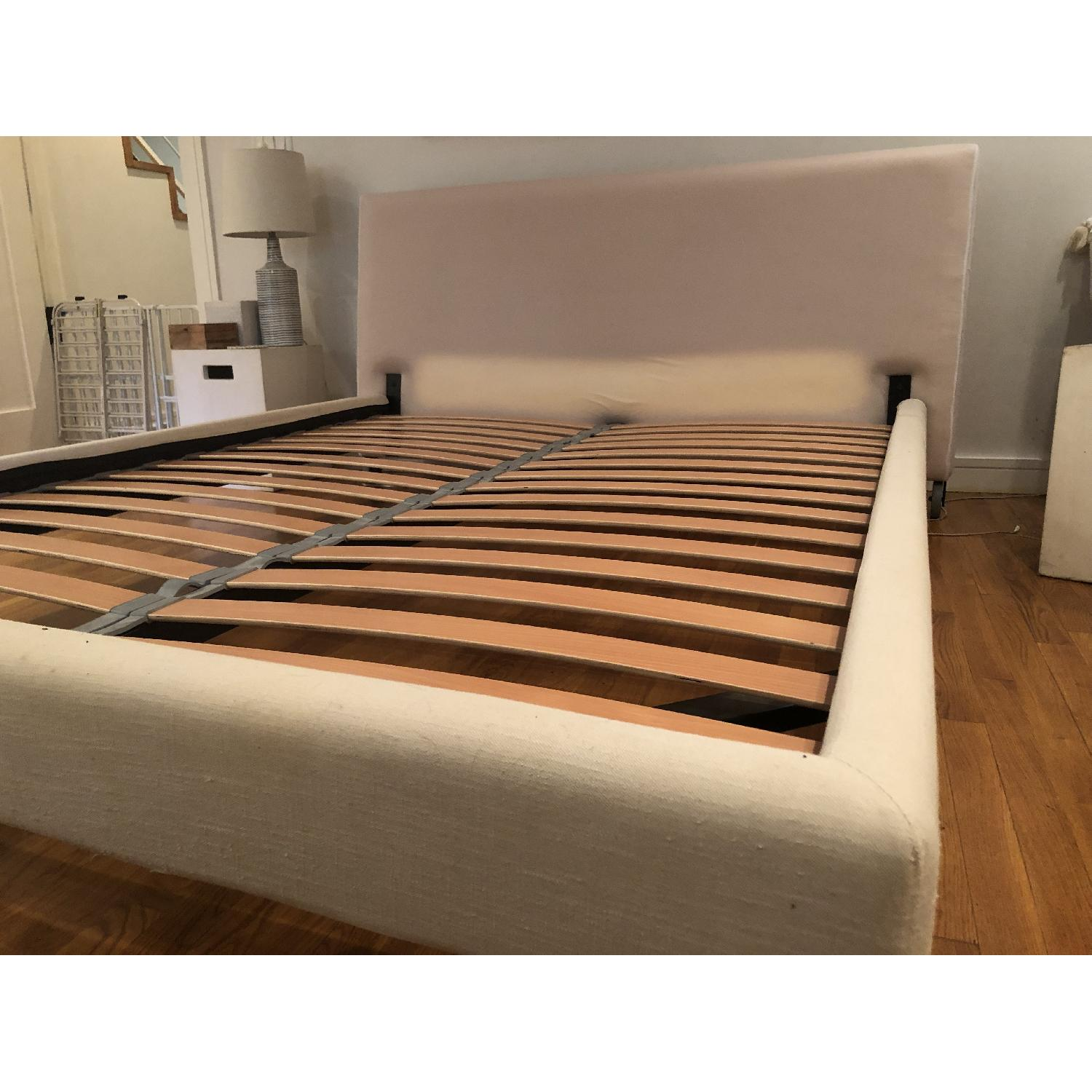 Design Within Reach Reve Queen Size Bed - image-10