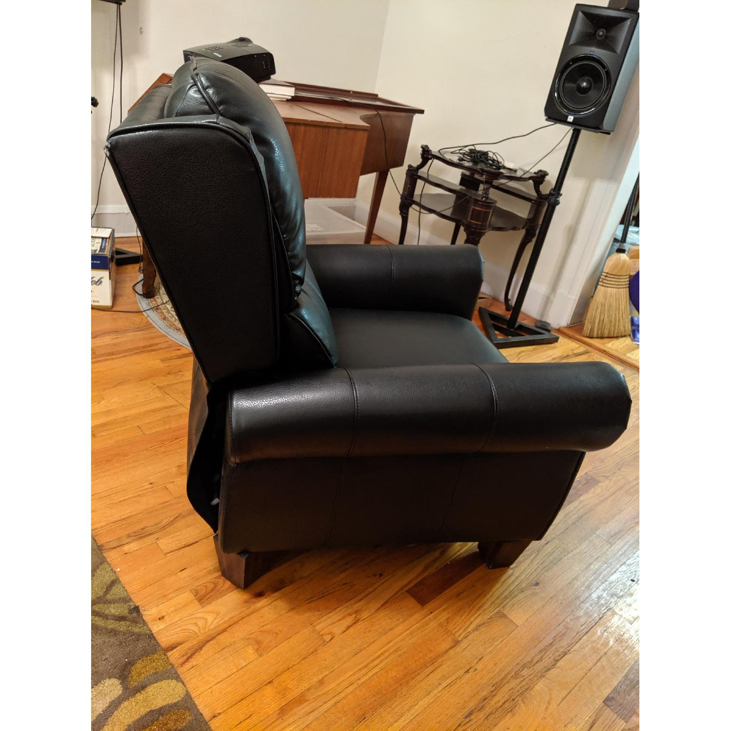 Strange Abbyson Living Whitley Black Leather Recliner Aptdeco Gmtry Best Dining Table And Chair Ideas Images Gmtryco