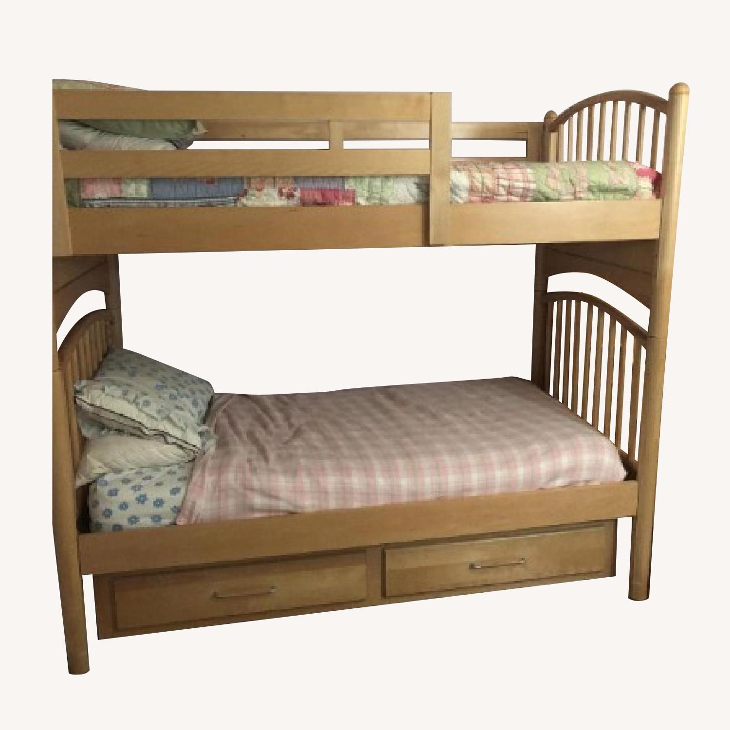 Picture of: Stanley Furniture Twin Bunk Un Bunk Bed W Trundle Aptdeco