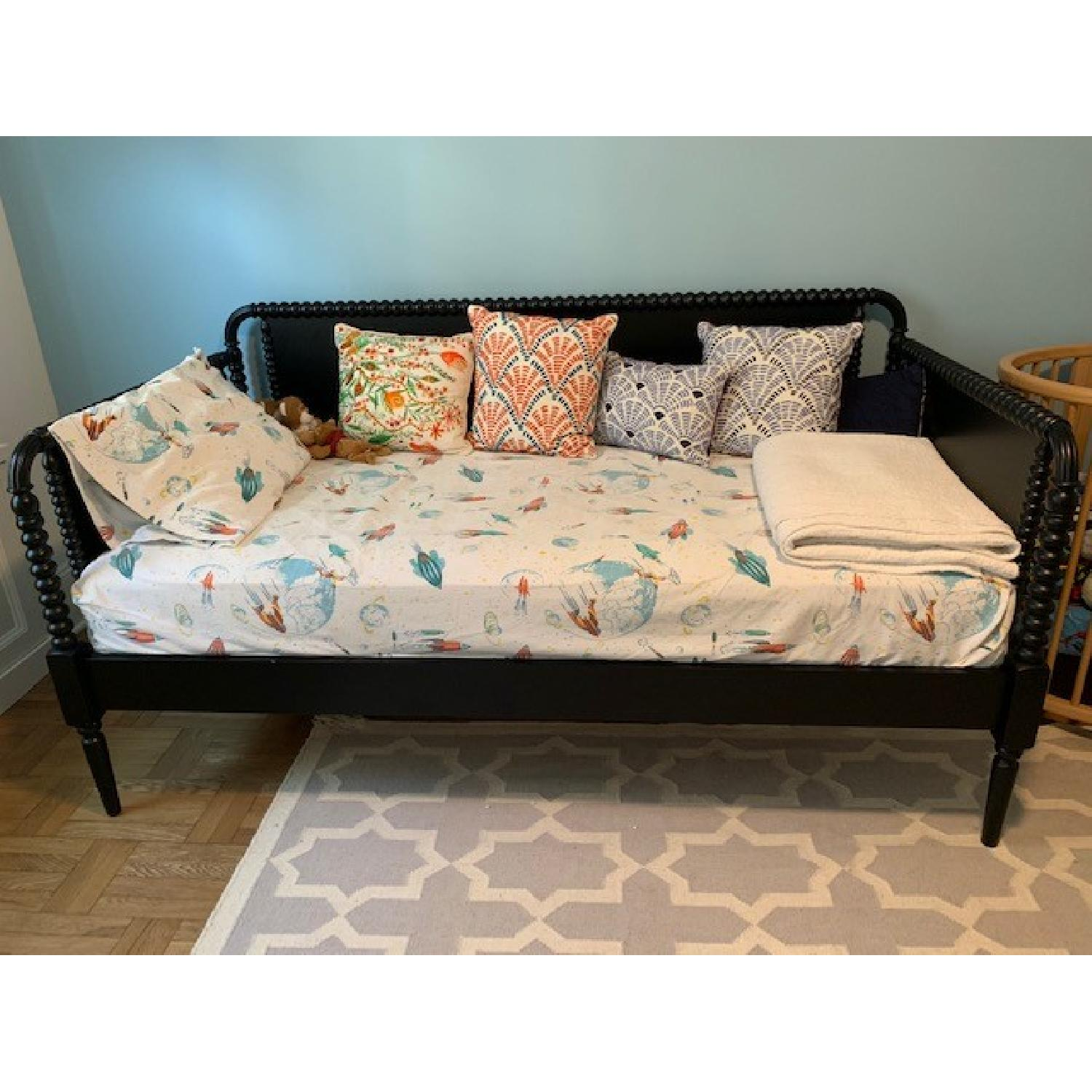 Magnificent Crate Barrel Jenny Lind Twin Daybed Aptdeco Ibusinesslaw Wood Chair Design Ideas Ibusinesslaworg