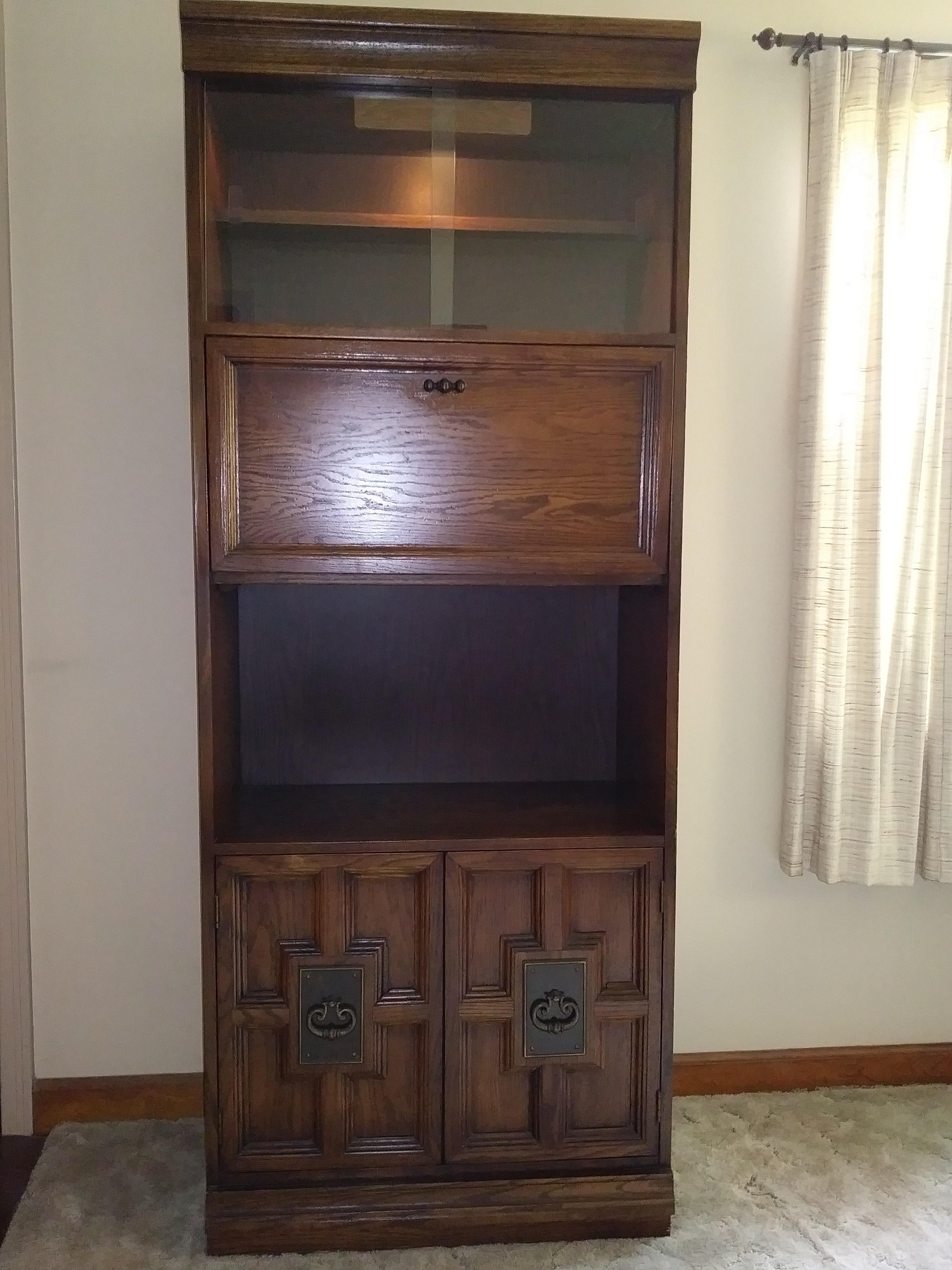 Bookcase/Media Unit w/ Light