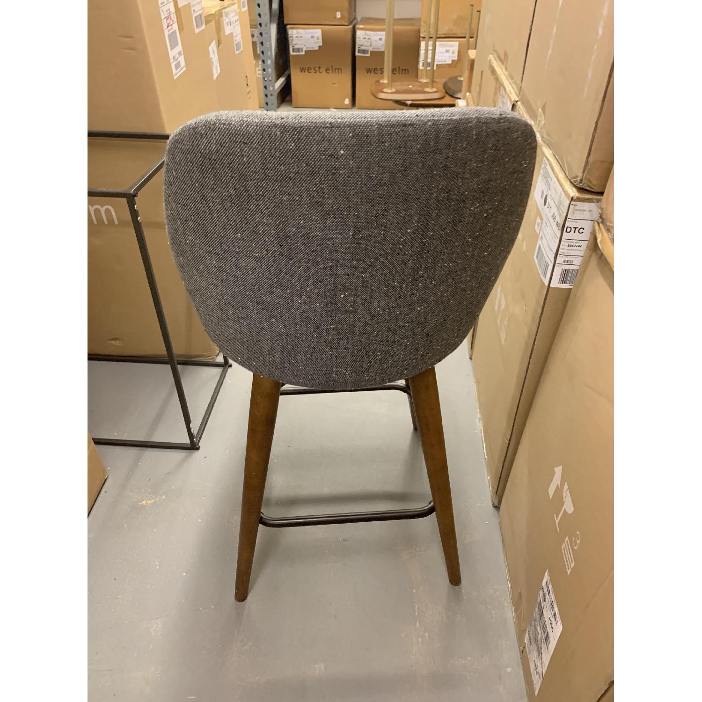 Stupendous West Elm Mid Century Upholstered Swivel Counter Stool Aptdeco Cjindustries Chair Design For Home Cjindustriesco
