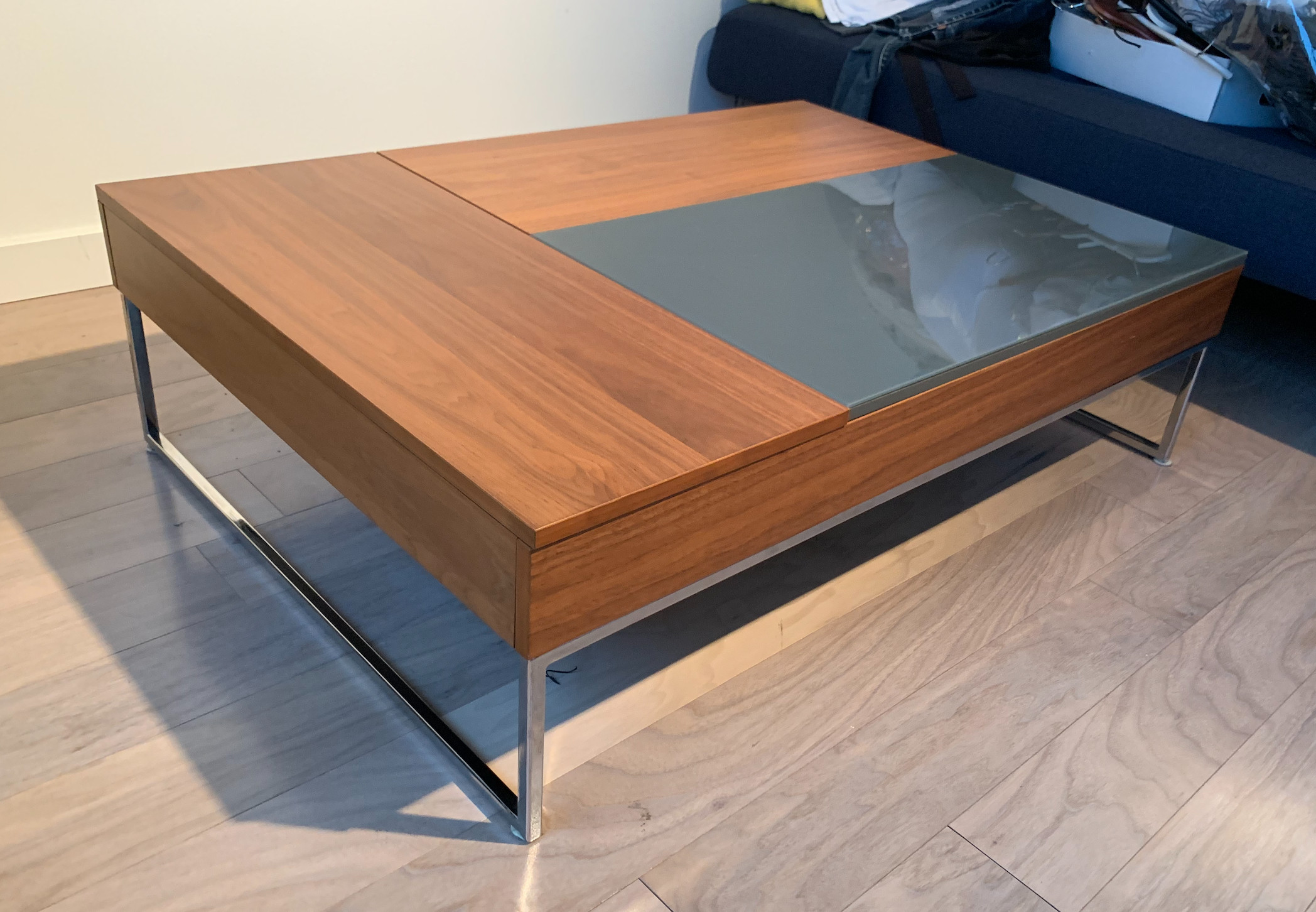 BoConcept Chiva Modern Pop Up Hidden Storage Coffee Table