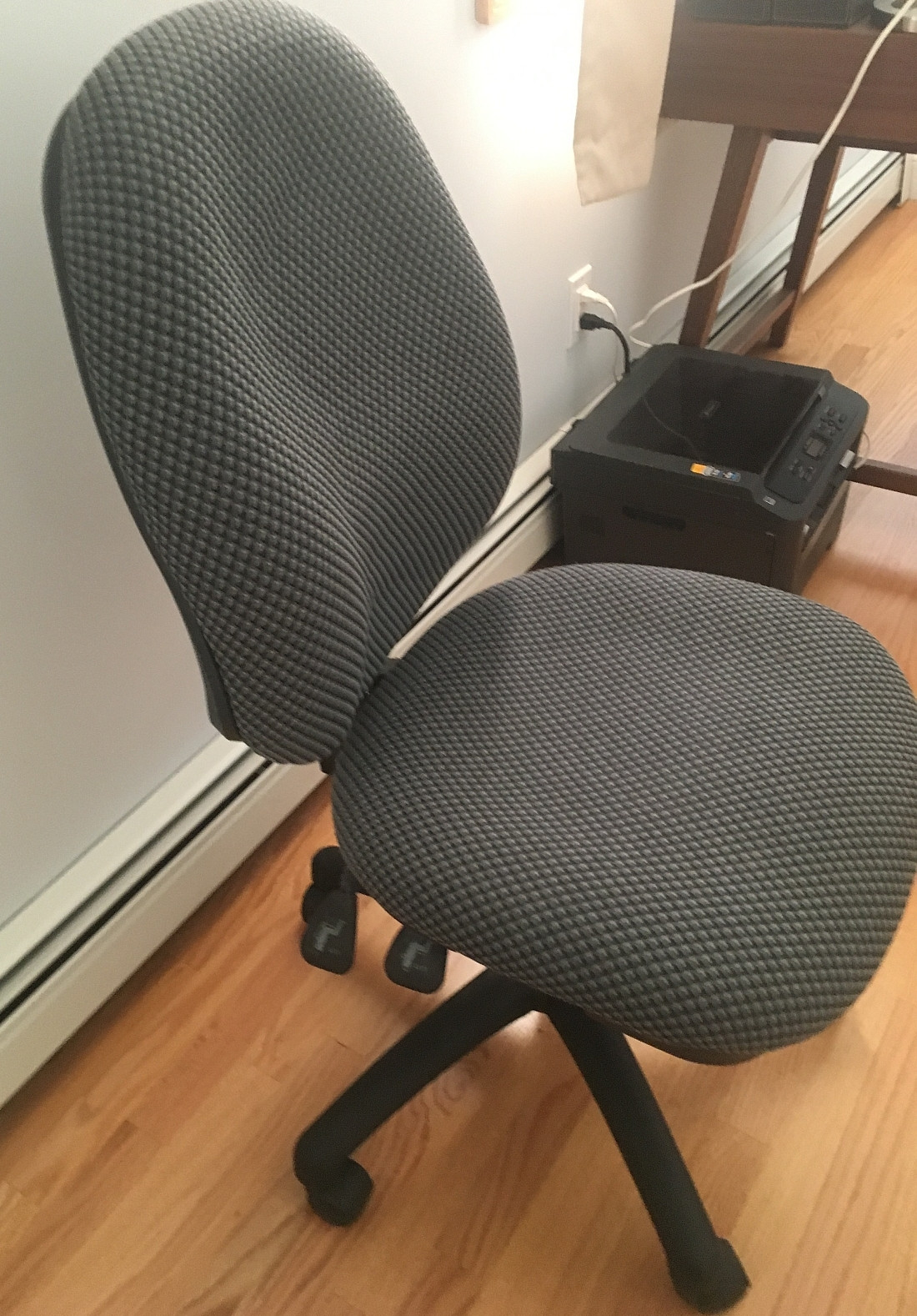 Office Chair w/ Padded Seat & Tilt Lock