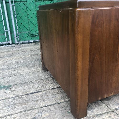 Lane Mid Century Modern End Table w/ Single Cabinet