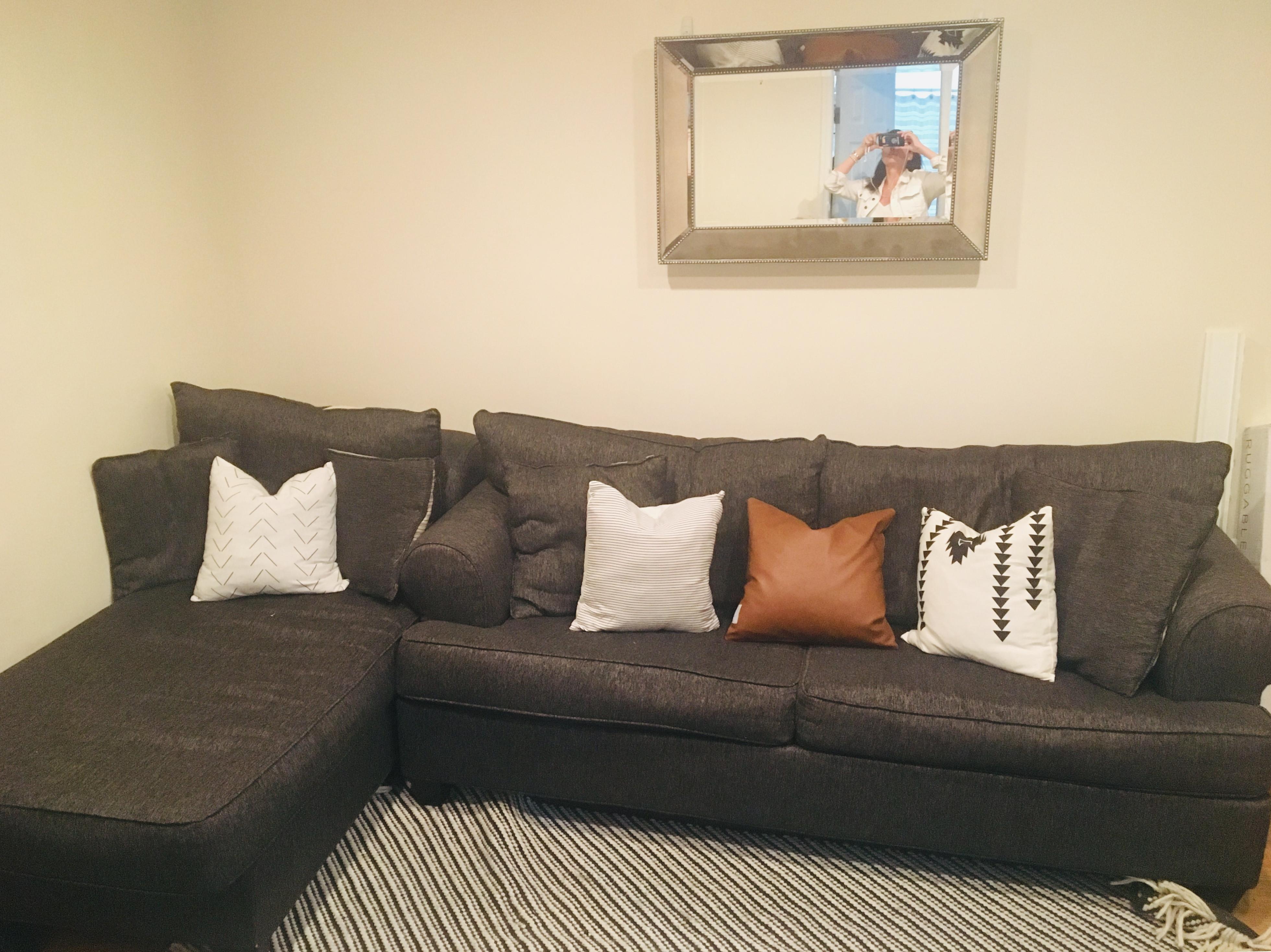 Tremendous Dark Grey Sleeper Sectional Sofa W Chaise Aptdeco Bralicious Painted Fabric Chair Ideas Braliciousco